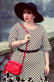 Stylefully: Grid & Red