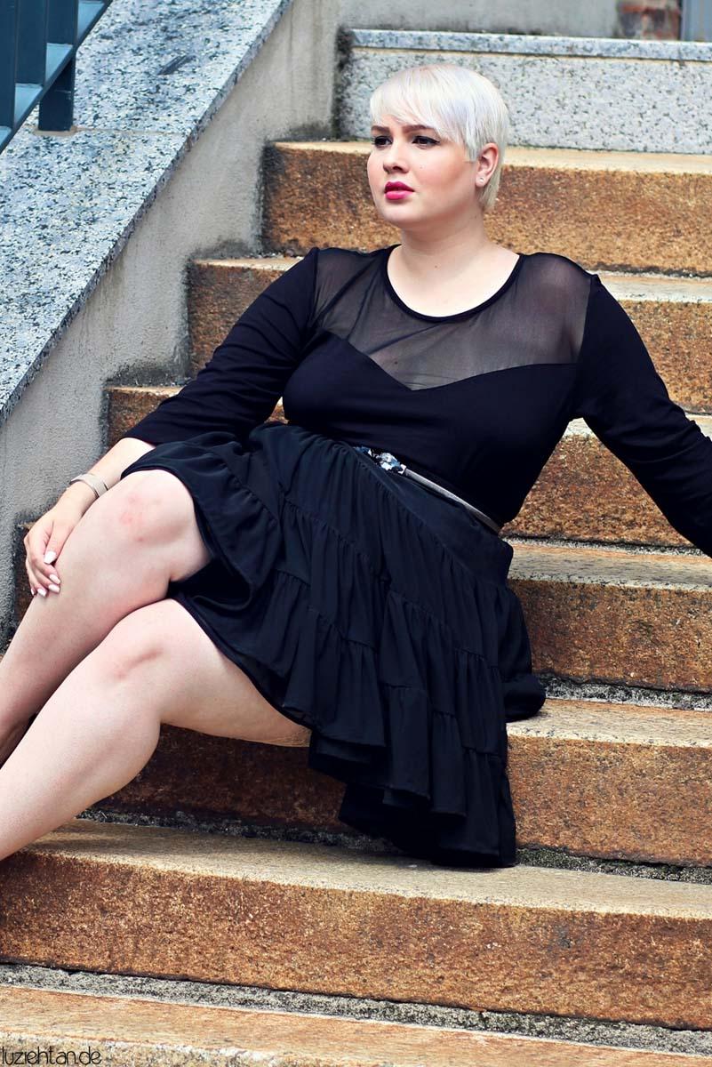 • Petticoat •