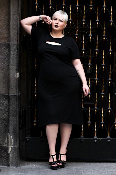 • Lookbook | Anna Scholz for sheego x Lu zieht an | Femme Fatale •