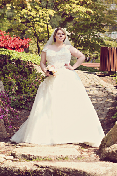 • Here comes the bride… | Curvy Edition •